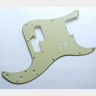 FRANKEN GUITARS Aged PB Pickguard - Mint Green - fits to P Bass