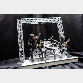 KISS ALIVE ARTIST FIGURE SUPER RARE!!