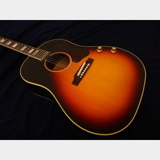 Gibson 1962 J-160E VOS Tri-Burst Limited Edition