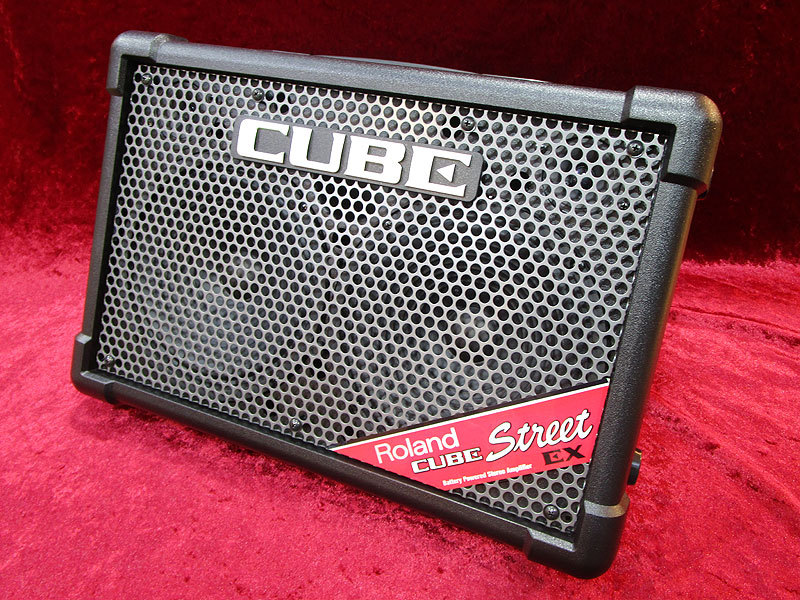 Roland CUBE STREET EX BK [anywhere he can street-performance amplifier!]