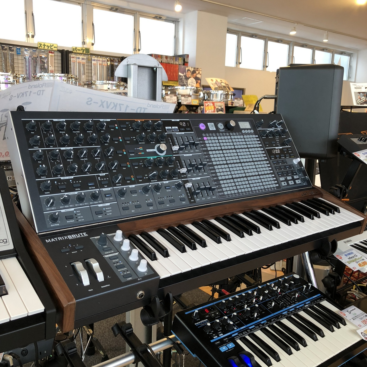 Arturia MATRIXBRUTE [exhibit Sale of a single limited!] []