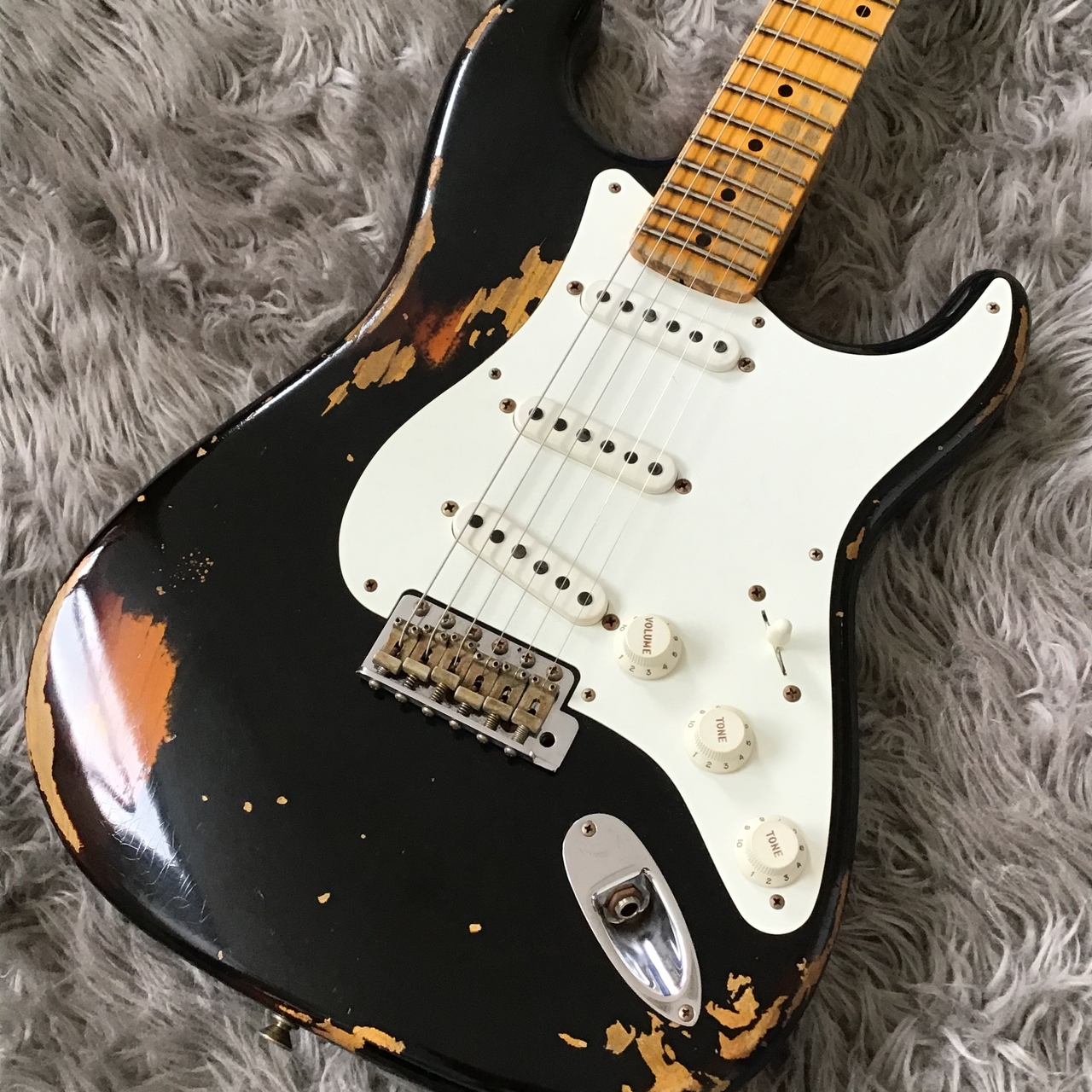 Fender Custom Shop 【フェンダー】1955 Stratocaster Heavy Relic, Aged Black over 2-Color Sunburst【クリアランスセール】