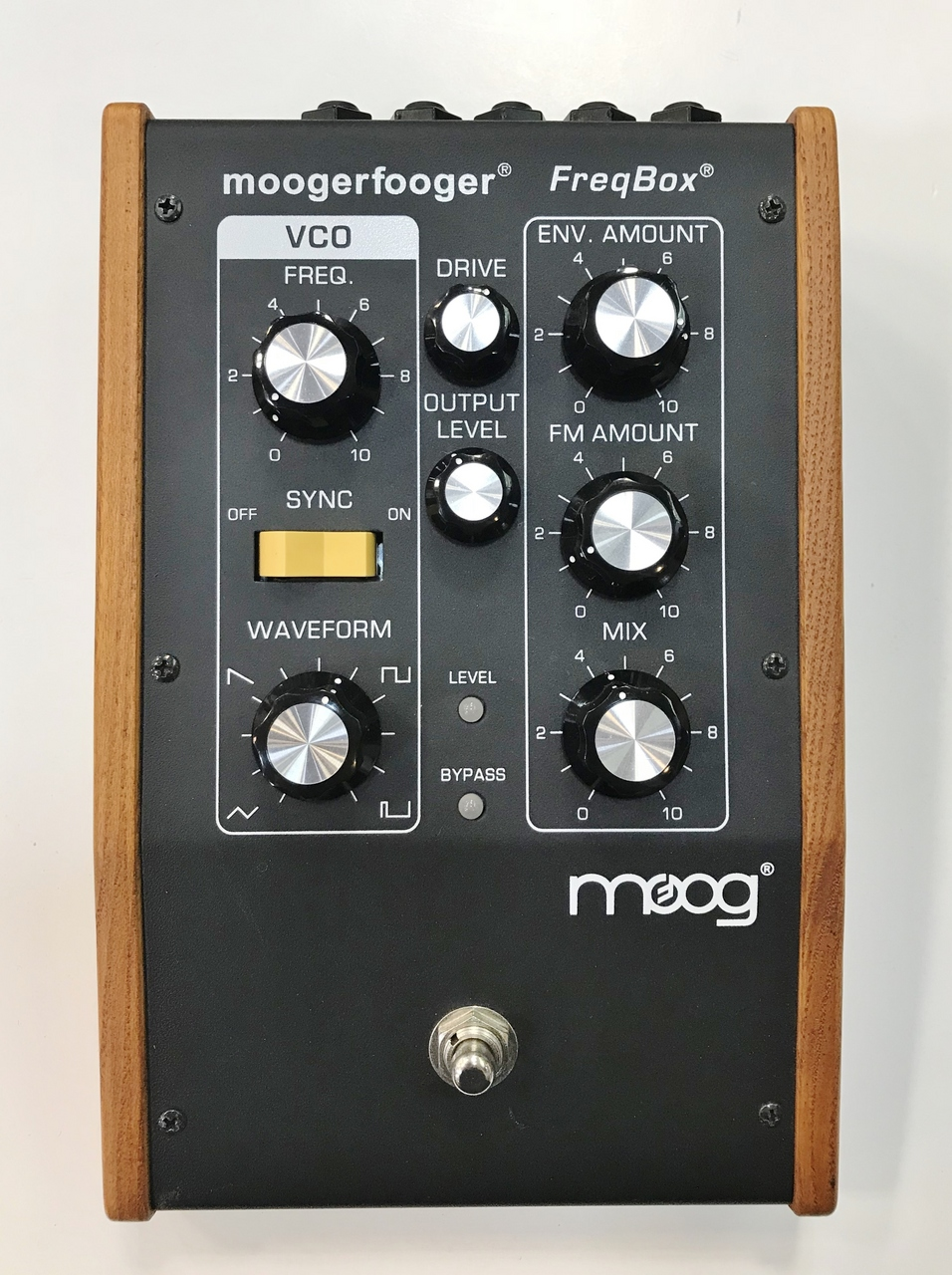 MoogerFooger MF-107 FreqBox Outlet Specials]