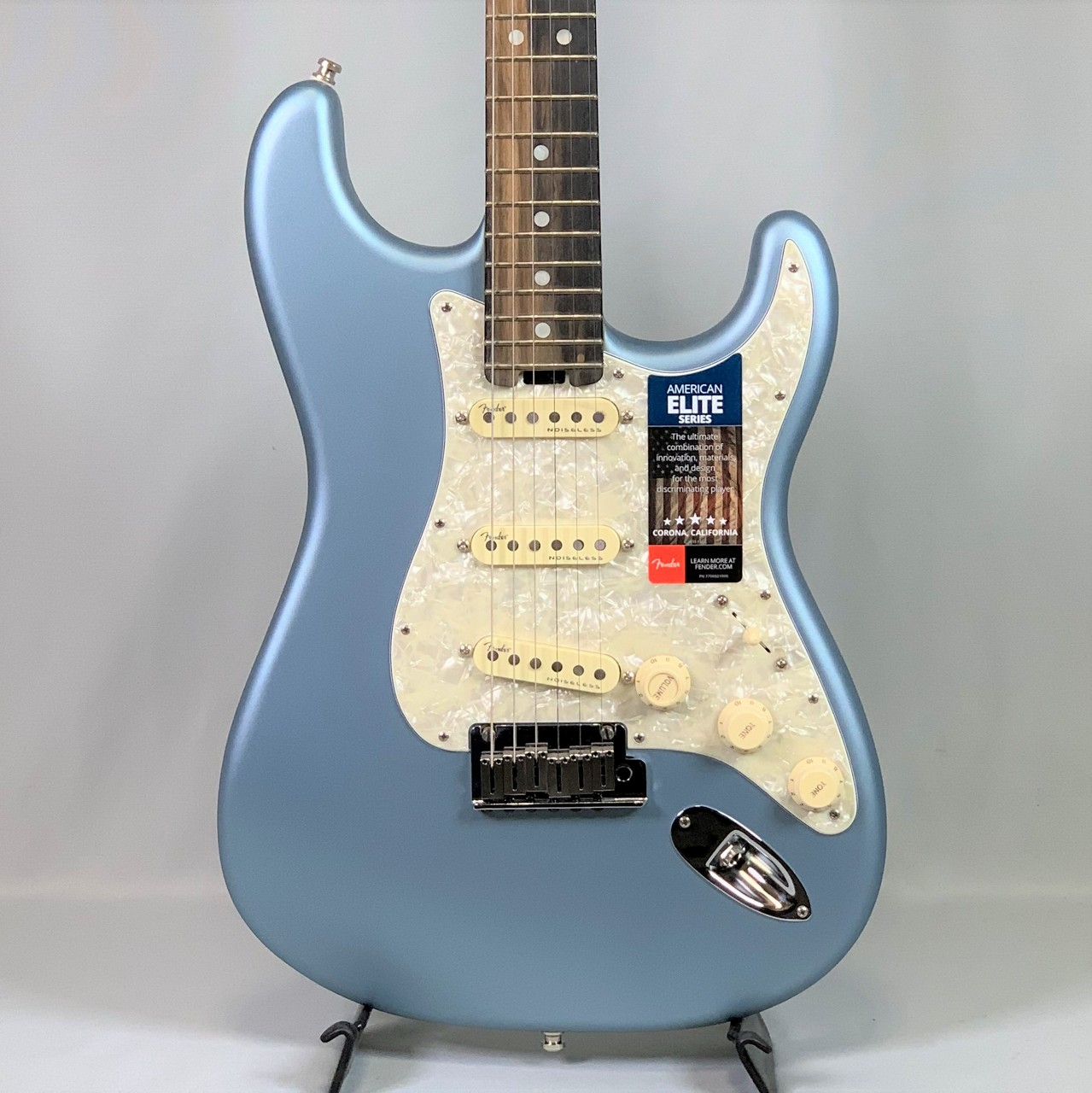 Fender American Elite Stratocaster® Satin Ice Blue Metallic