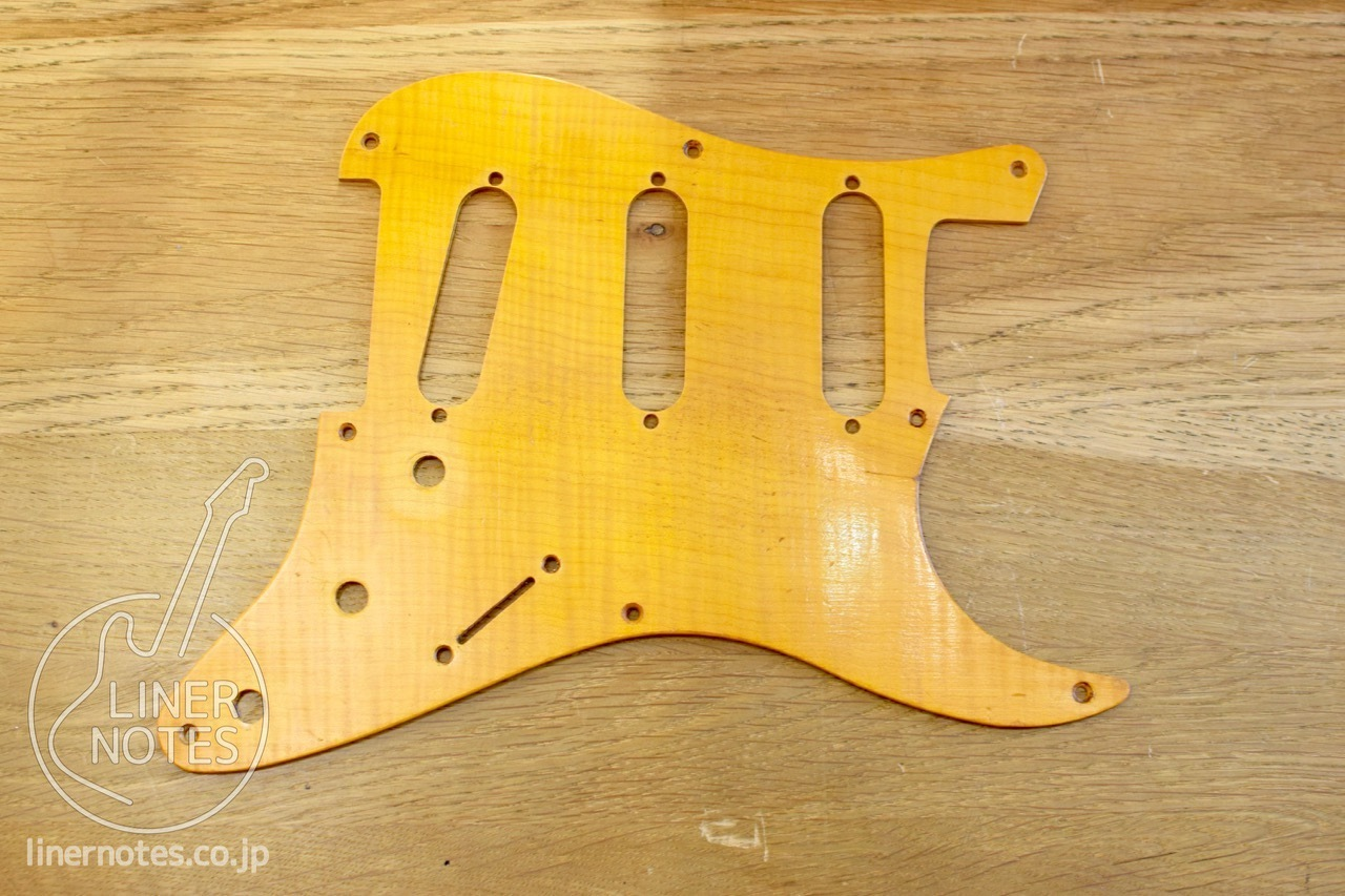 NO BRAND Flame Maple Pickguard (For '50s Stratocaster)