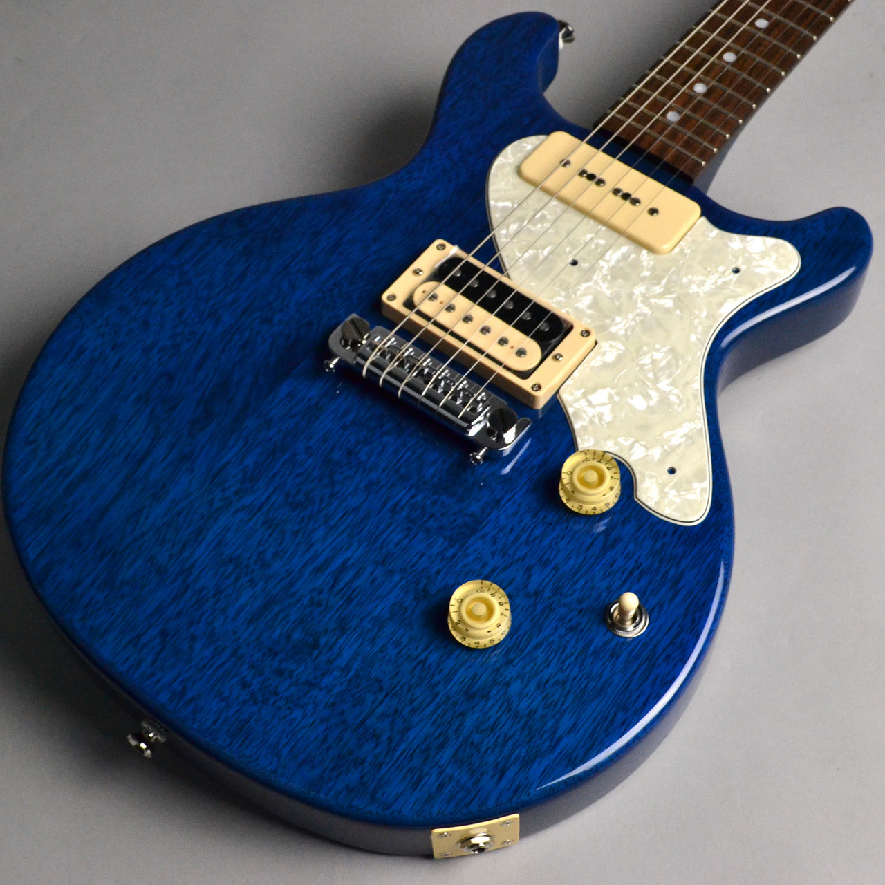 Rabbit is USA-2 Blue Korina Les paul Junior type