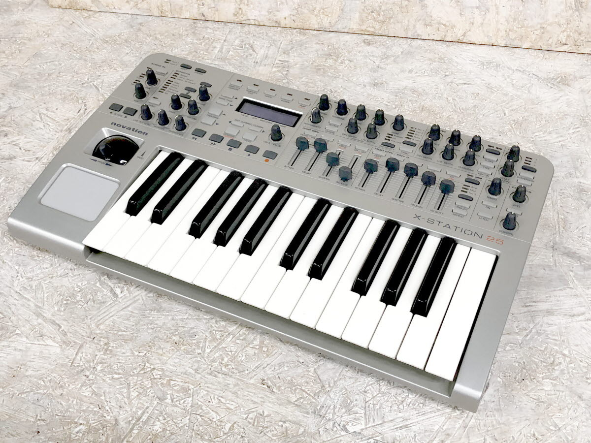 Novation X-STATION 25