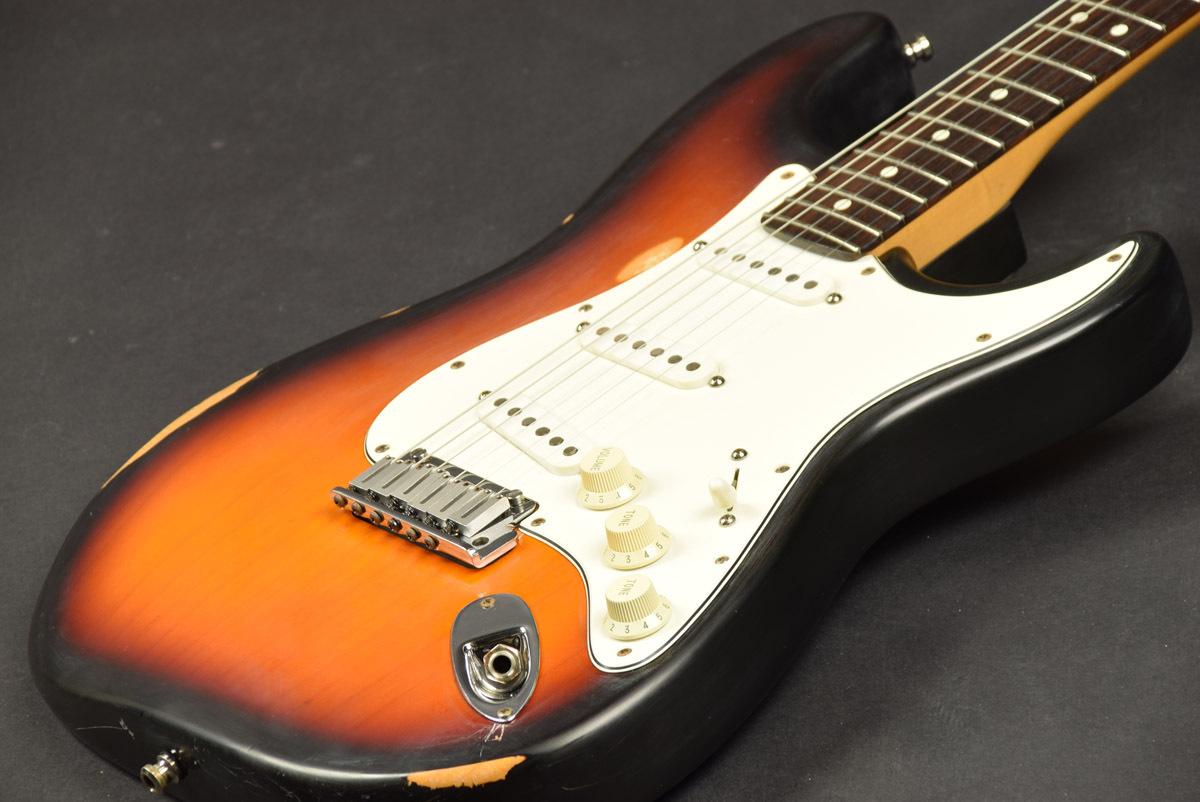 芬德美国美国标准Stratocaster的三色旭日[池袋]