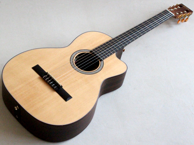 "Martin Custom Shop CTM OOC-Nylon ""Solid Sitka / Solid East Indian Rosewood"""