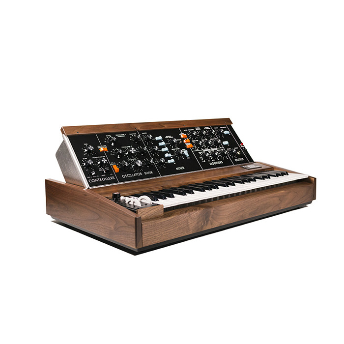 Moog Minimoog Model D Walnut [of a single limited new discount! Possible instant delivery now!] []
