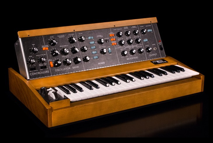 Moog Minimoog Model D [Saturdays and Sundays limited Specials!]