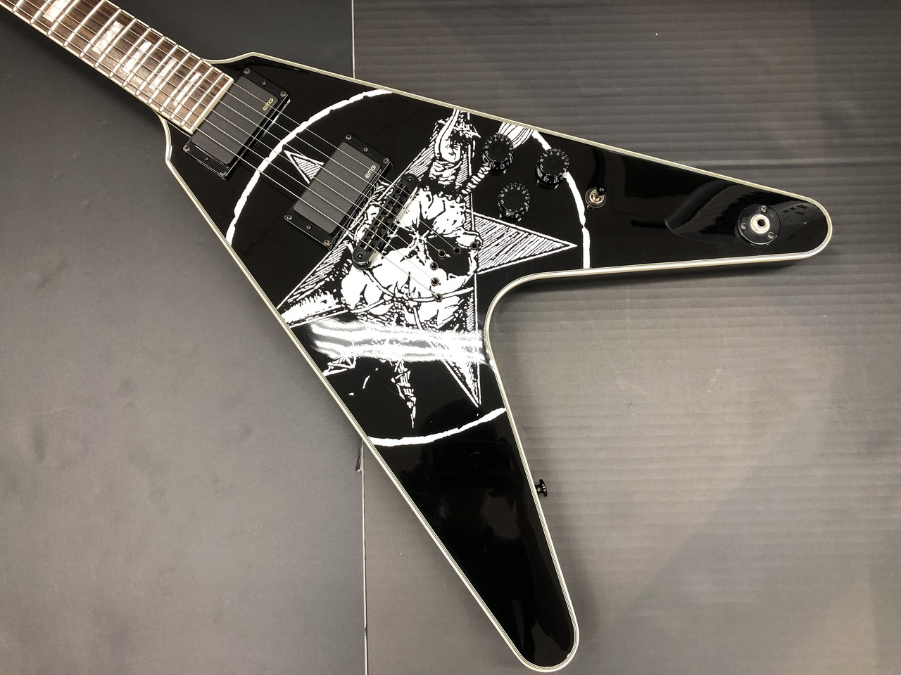 DEAN Old Skull V Eric Peterson Signature