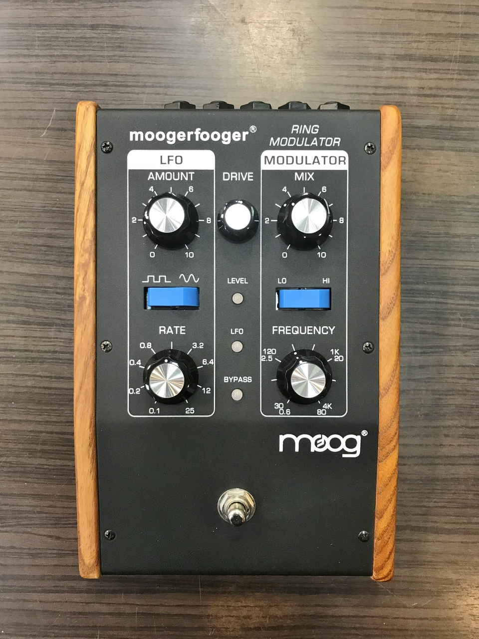 MoogerFooger MF-102 Ring Modulator Outlet Specials] [ring modulator]