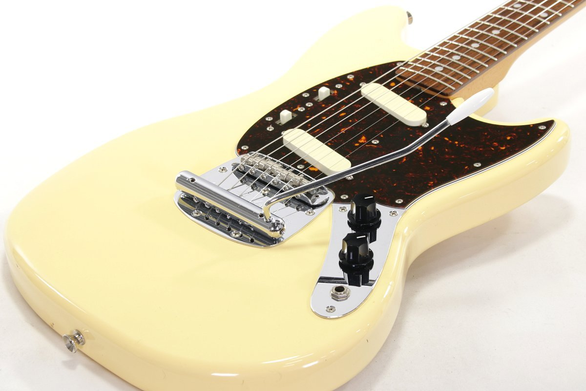 Fender Japan Mustang MG69-65 Yellow White [Yokohama]
