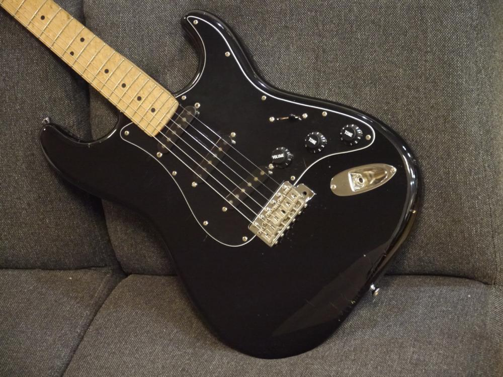 NO BRAND Custom Stratocaster Type [SSL-1×3個搭載!]