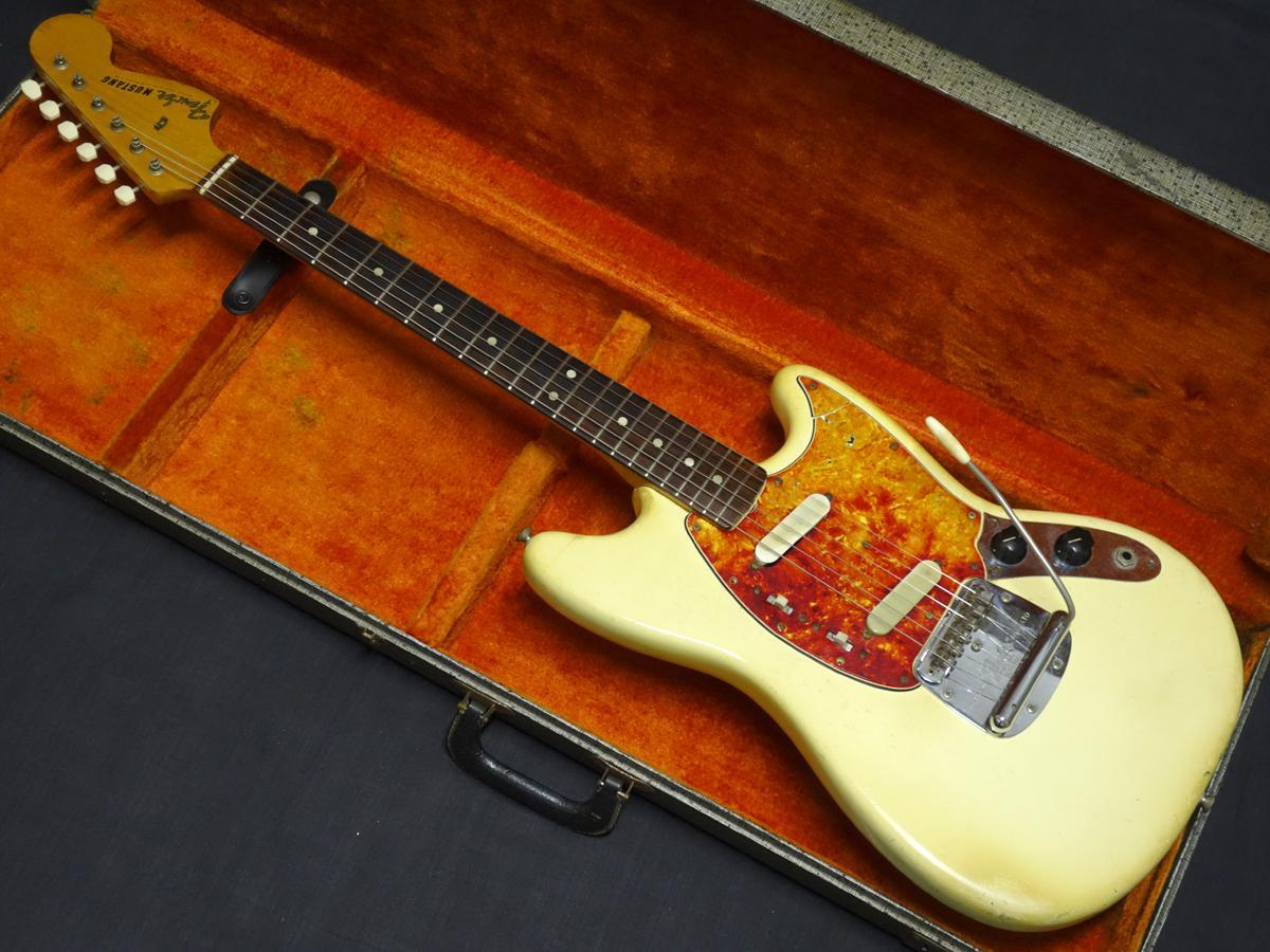 Fender Mustang White made in 1967 [Ali translation Specials] [Gifu shop]