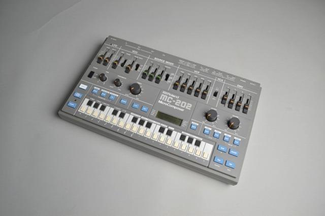 Roland MC202
