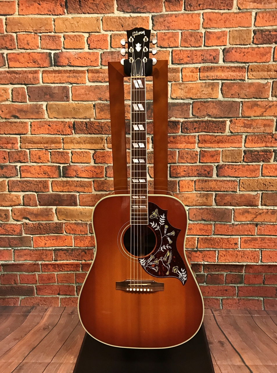 Gibson Hummingbird [used article] [Made in 2001]