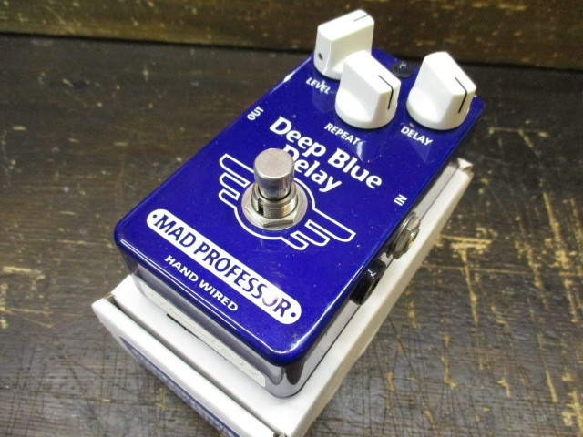 MAD PROFESSOR Deep Blue Delay HAND WIRED