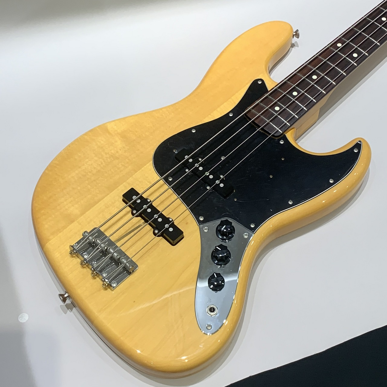Fender Japan Traditional 60S Jazz Bass / VNT