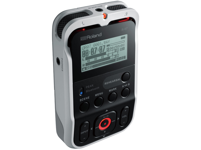 Roland Roland R-07 WH [Hi-Res corresponding Handy recorder!] [Initial stock-minute booking in the receptionist!]