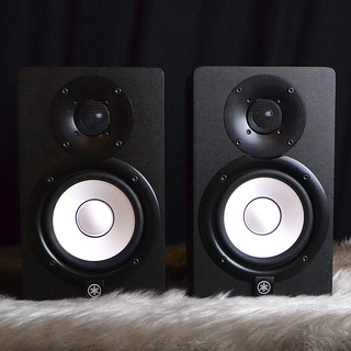 YAMAHA HS5 Powered Studio Monitor 【S/N①:JFXO01010、S/N②:JFXO01217】