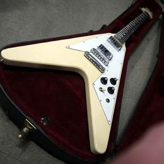 Gibson Flying V Original White Finish 1979年製です。
