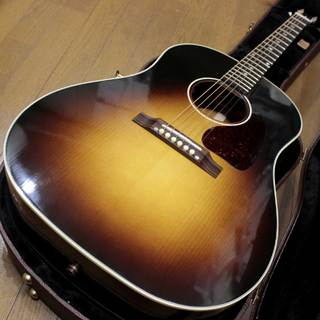 Gibson J-45 Red Spruce VOS ( Adirondack ) Limited Edition 2018年製です。