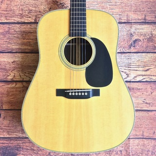 Martin Custom Shop D-28 Custom Dreadnought Promo2