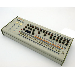 Roland Boutique Series TR-09 【店頭展示品特価】