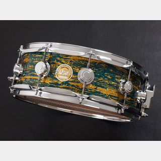 "dwCollector's Maple Snare 14""x5"" Blue Oyster Glass Glitter"