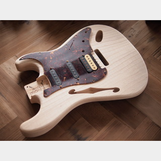 WARMOTH Stratocaster Thinline Body - Swamp Ash - Flame Top / Unfinished