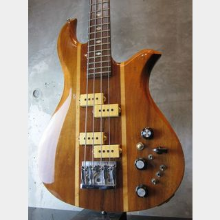 B.C.Rich 80's Eagle Bass KOA  w/ Flight Case