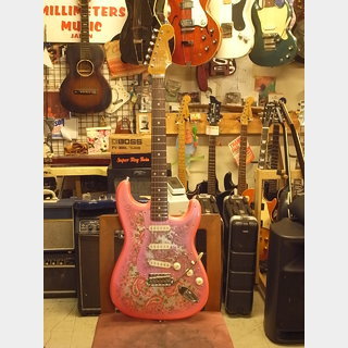 Fender MADE IN JAPAN 60s STRATOCASTER PINK PAISLEY