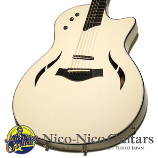 Taylor 2014 T5 Standard (White)