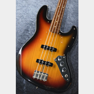 Fender 【日本総本店 大感謝セール特選中古品!】 American Vintage '62 JAZZ BASS Fretless Custom 1998 【USED】