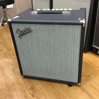 Fender RUMBLE40 V3