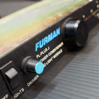 FURMAN PL-Plus J