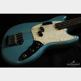 Fender JMJ ROAD WORN® MUSTANG® BASS