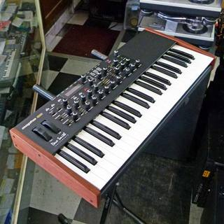 Dave Smith Instruments Mopho SE