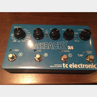 TC ELECTRONIC Flashback Delay X4