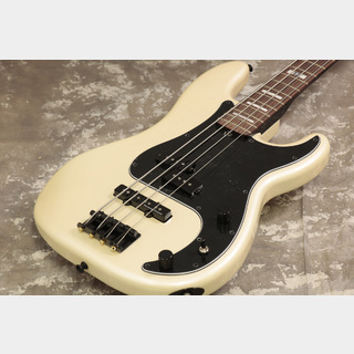 Fender Duff McKagan Deluxe Precision Bass Rosewood Fingerboard White Pearl【池袋店】