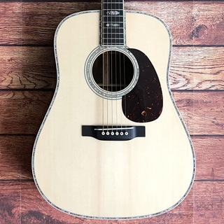 MartinCustom Shop D-45 Wild Grain East Indian Rosewood with Selected Adirondack Spruce Top