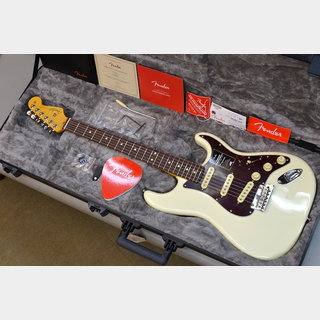 Fender 【純正ギグバックプレゼント】American Professional II Stratocaster Olympic White #US20068582