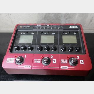 ZOOM BASS Effects B3 / Bass Effects & Amp Simulator Pedal