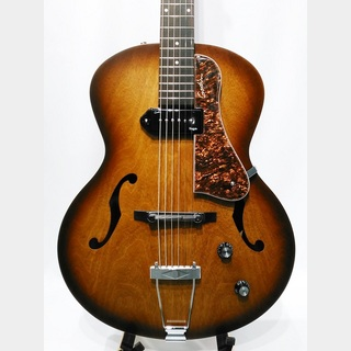 Godin 5th Avenue Kingpin / Cognacburst 【ピックアップ搭載モデル】