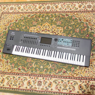 Roland FANTOM-7 MUSIC WORKSTATION【状態SS級中古品】【送料無料】