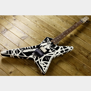 EVH EVH Striped Series Star Black and White Stripe