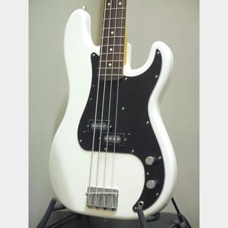 Fender Japan Exclusive Classic 70s Precision Bass OWH