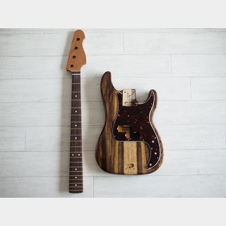 WARMOTH Black Korina Body + Roasted Maple/Rosewood Neck Short Scale PB Set